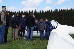 """""""Einweisung"""" der Papierflieger Gewinner 2015"""